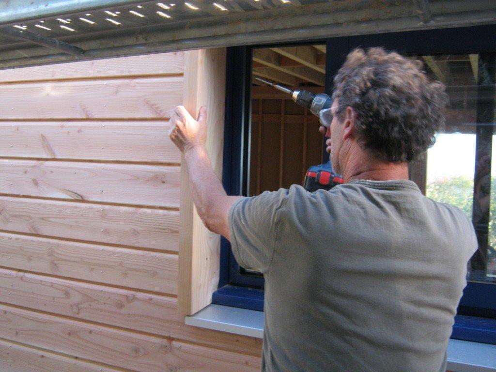 Bardage et bricolage fen tres osbsurpilotis for Cadre de fenetre en bois